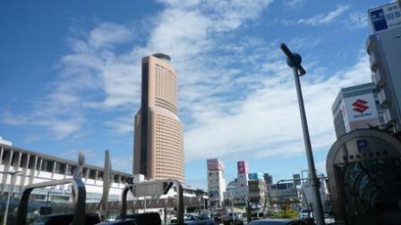 青空のアクトタワー2.JPG